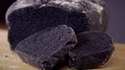 Recette de pain au charbon par Carinne Teyssandier